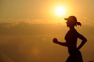 La course à pied à des bénéfices sur le plan physique et psychologique