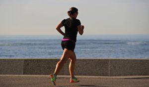 La course à pied permet à la femme enceinte de s'habituer à son ventre